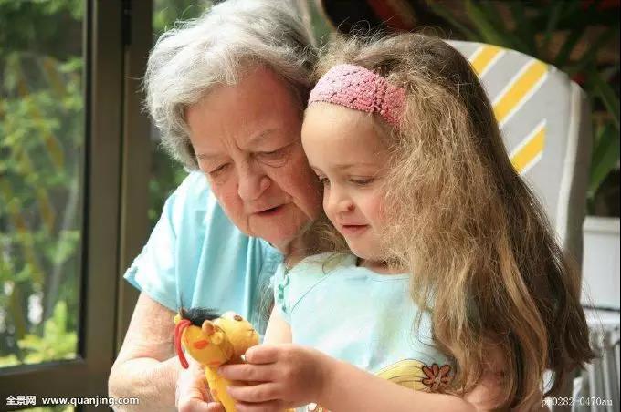 GYMBABY宝妈分享:姥姥和奶奶,请让孩子都去敬爱