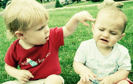如果你的孩子被别的孩子打了,你该怎么办?怎么教育他?