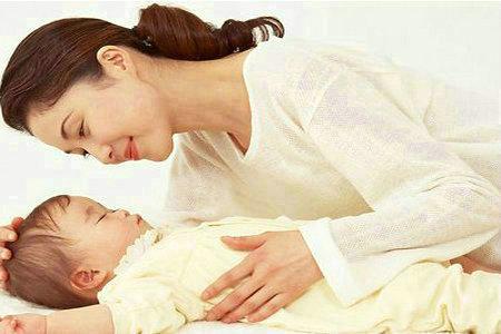 宝宝几个月可以竖着抱呢?