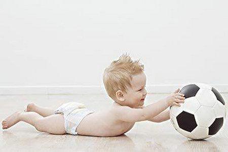 如何训练宝宝抓东西