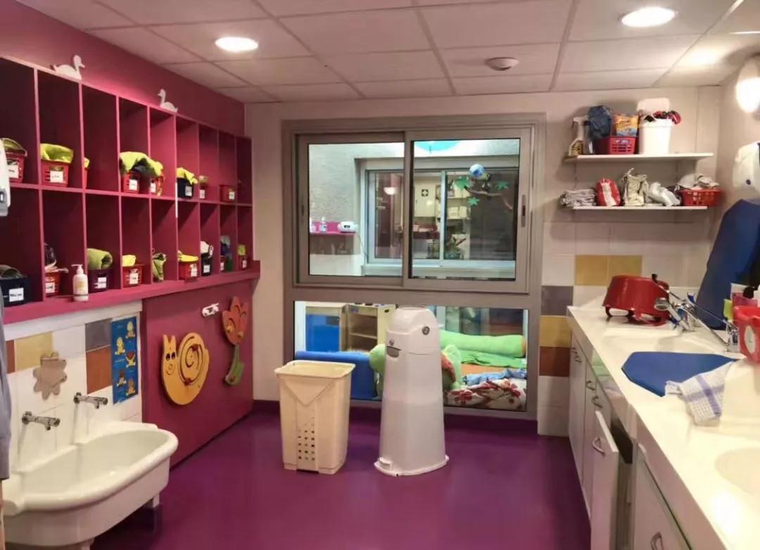 CRECHE中心幼儿(18个月-36个月)护理区