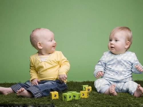 11个月的宝宝发育标准,这时候照顾宝宝你需要这样做