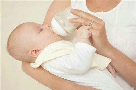 新生儿母乳喂养有什么注意事项