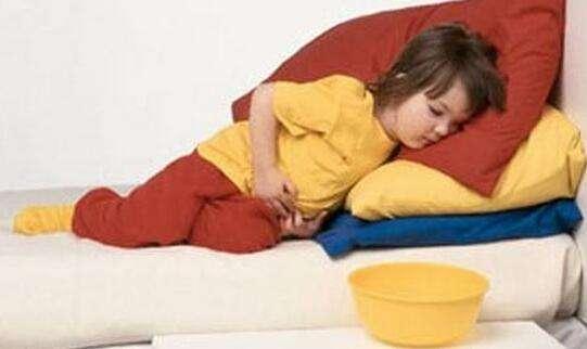 宝宝腹痛不会表达,父母怎么办?