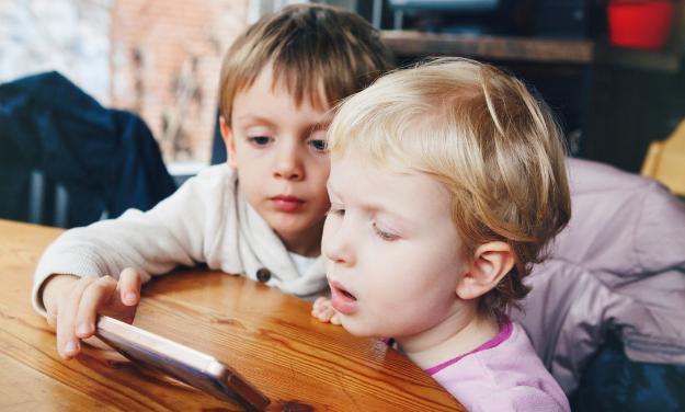 电子游戏该不该让孩子玩?父母的无知,最终伤害的是孩子